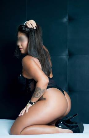 Massagem Sensual SP: Renata Paes – Massagista Fone (11) 96226-0453